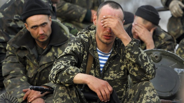 Truce seems to hold in eastern Ukraine, both sides confirm