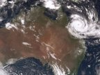 Cyclone Debbie: Thousands evacuate in Queensland, Australia