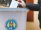 Front-runners, split from DA Platform Party of fugitive gangsters Victor and Viorel Țopa, dislike uninominal voting