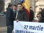 Young Liberals stage flash-mob at Chisinau city hall marking day of union with Romania