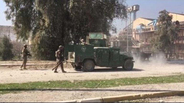 Mosul battle: New Iraqi push on IS-held city centre