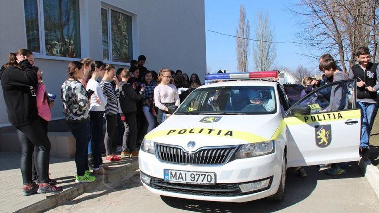 National Inspectorate Patrol advises students to learn traffic rules