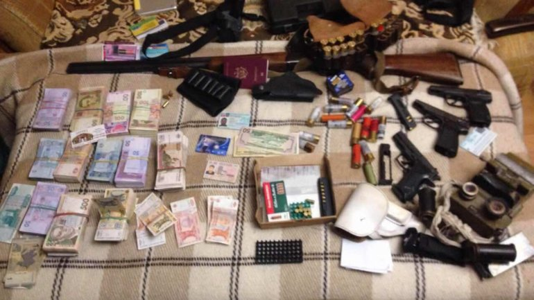 Man DETAINED by SIS officers for possession of AMMUNITION (PHOTO)