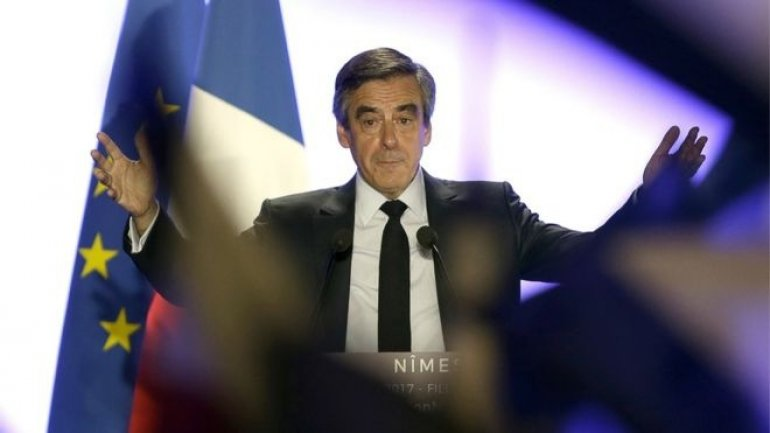 France election: Fillon campaign manager quits along with allied party