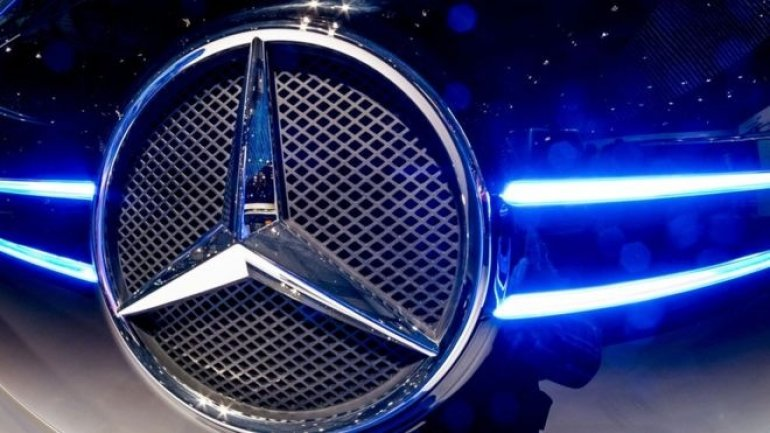 Daimler recalls 75,000 Mercedes-Benz cars in UK