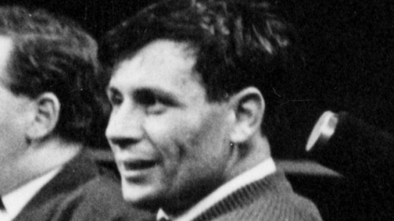David Storey: Booker Prize-winning author dies at 83