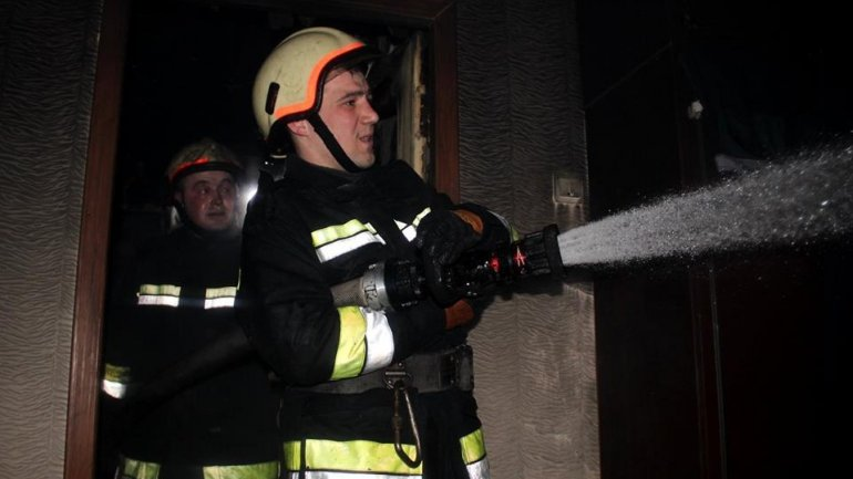 Rescuers prevent fire tragedy in Vatra town