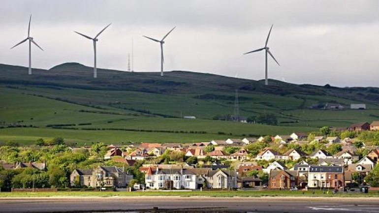 Scotland generated windpower to live for a month