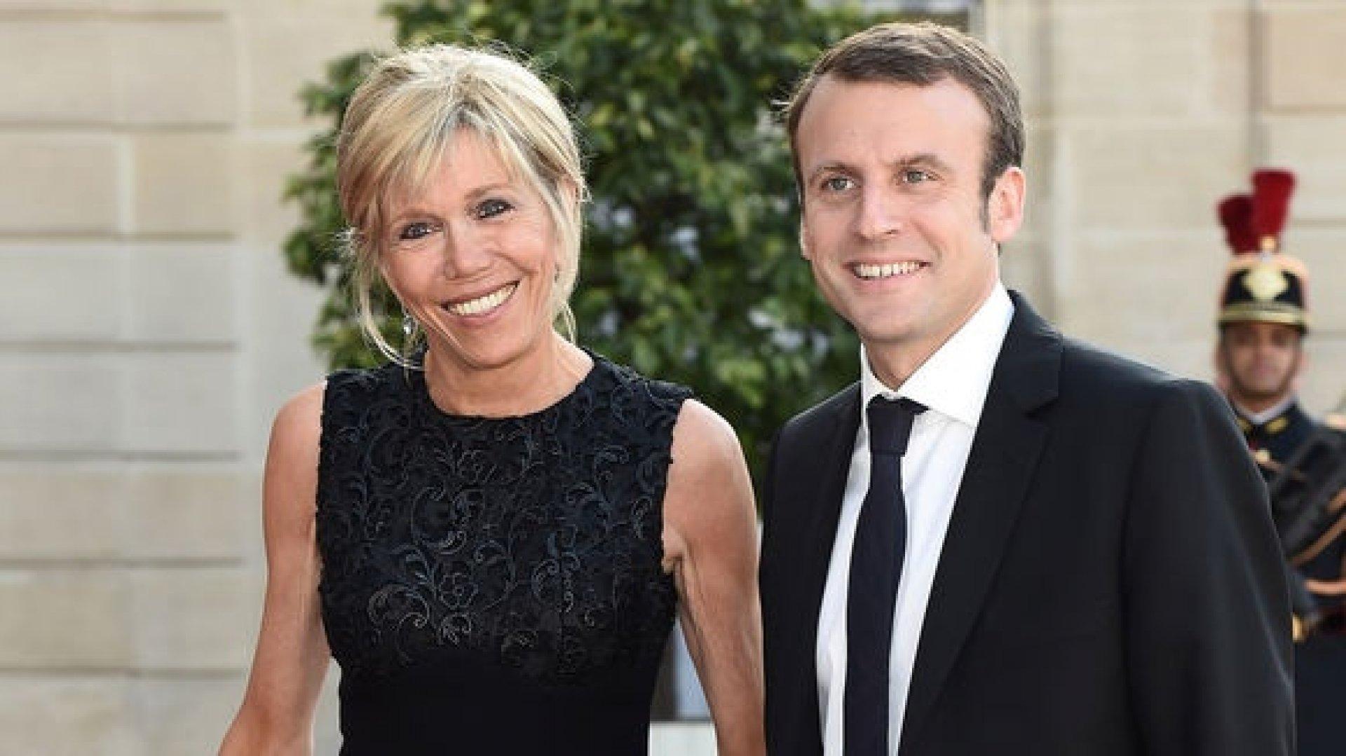 Casada con emmanuel macron, actual presidente de francia, se ha convertido en una abanderada del chic francés con estilismos en los que su espíritu juvenil queda patente. The 64-year-old wife of Emmanuel Macron getting used to ...