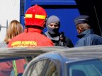 French authorities thwart attack: Flat raided and two men arrested (VIDEO)