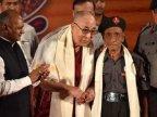 Dalai Lama meets Indian guard from 1959 flight from Tibet