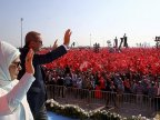 Turkey's Erdogan cheered by crowd ahead of referendum on getting more powers
