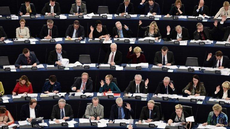 EU parliament votes for visa-free travel for Ukraine