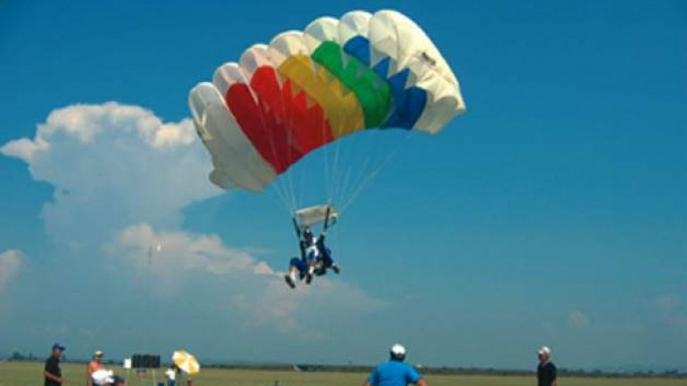 Skydiving season OPENED at Vadul lui Voda airfield