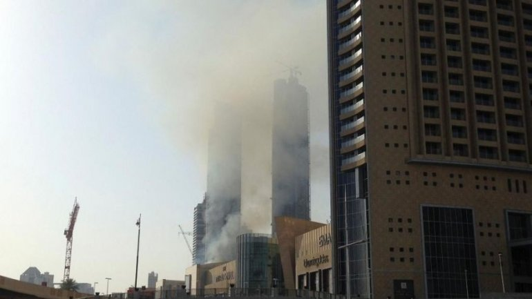Fire hits Dubai high-rise complex near world's tallest tower (VIDEO)