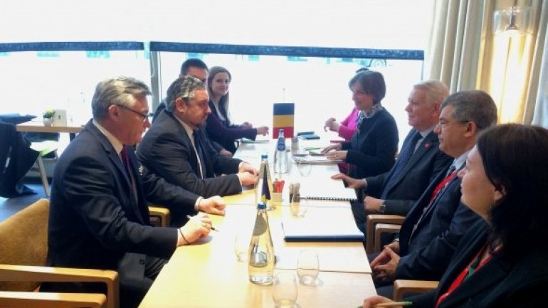 Moldovan diplomacy head meets Romanian, Ukrainian counterparts