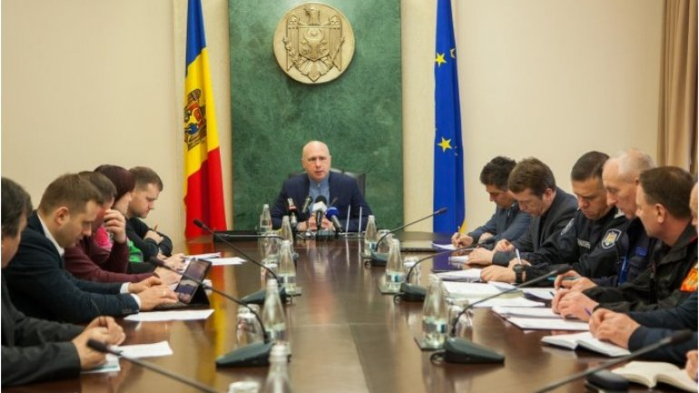 PM Pavel Filip calls for close cooperation of local authorities for winding blizzard consequences