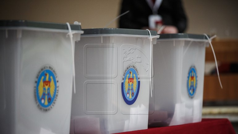 Poles in Moldova stand for uninominal voting system