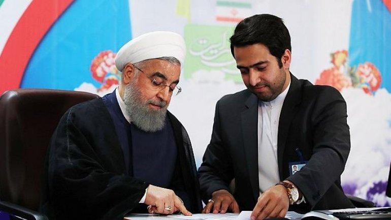 Over 1,000 register to run for presidency in Iran (VIDEO)