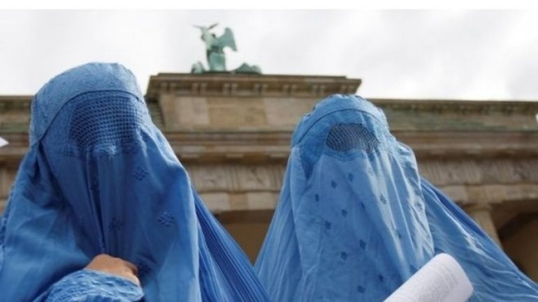 German parliament moves to partially ban the burka