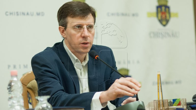 Vice mayors in Capital. Searched Dorin Chirtoacă started negotiations with political parties from CMC