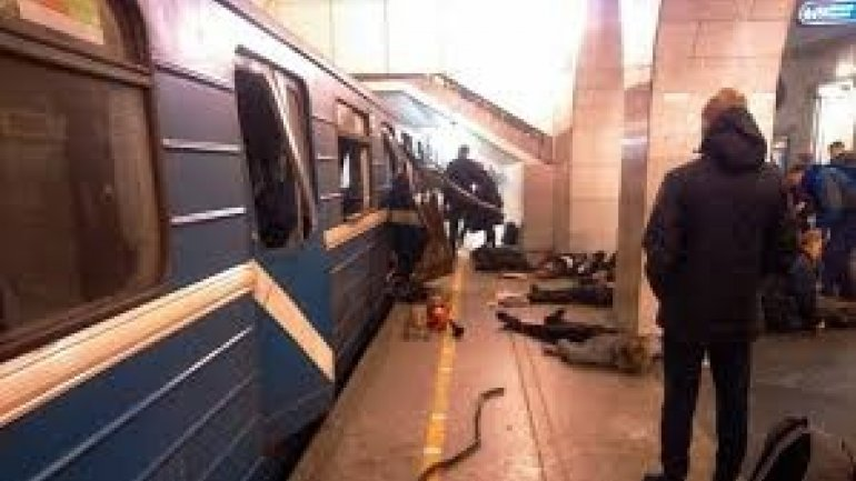 """St. Petersburg metro bombing """"possibly a suicide attack"""""""