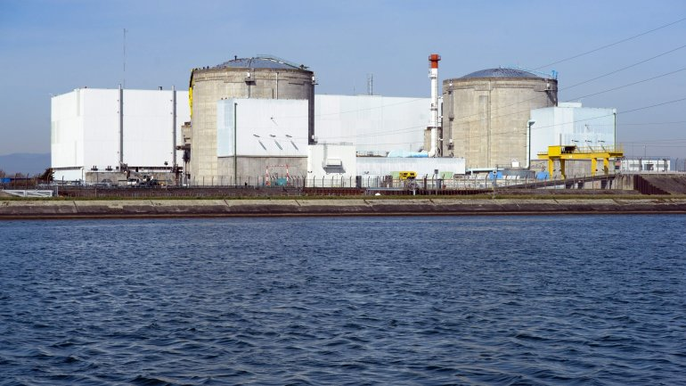 French Government okays closure of oldest nuclear plant