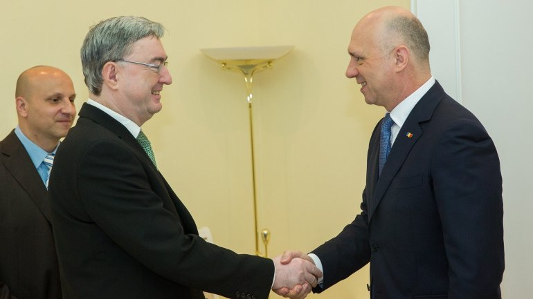 Government's reform agenda discussed by PM Pavel Filip and Czech Ambassador to Moldova