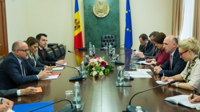 Montenegro's Foreign Minister meets with Moldova's Premier