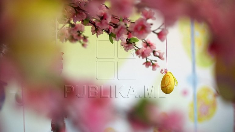 CHRIST IS RISEN! Publika.MD wishes you joy and peace