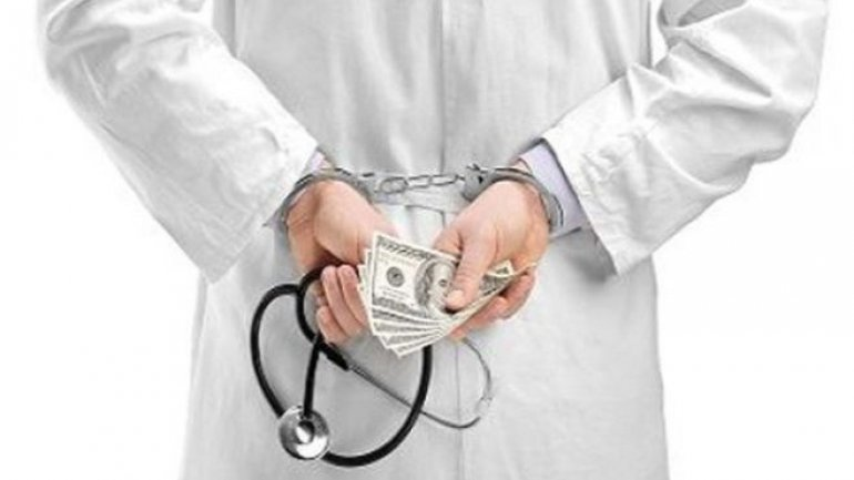 Surgeon detained for swindled money to operate 7 year-old child