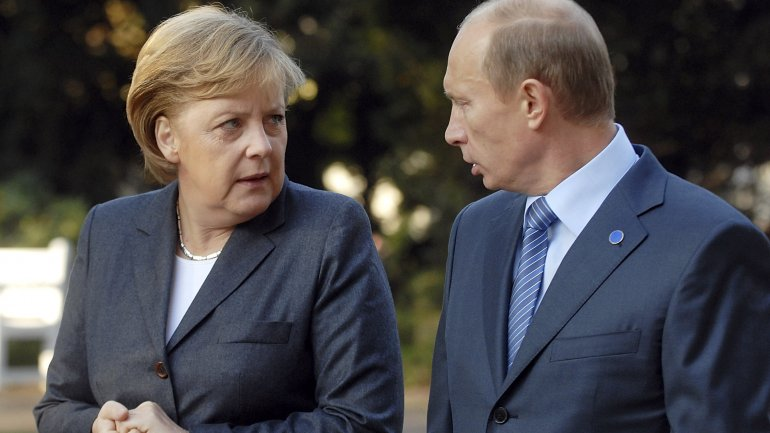 Merkel to meet Putin for discussion on Ukraine, Syria