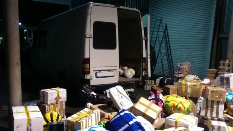 Driver returning from abroad, robbed of minibus and packages