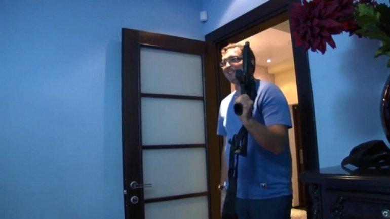 Fugitive criminal Renato Usatii taking pleasure from animal cruelty (VIDEO)
