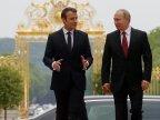 Emmanuel Macron denounces LYING PROPAGANDA of some Russian media at joint press conference