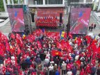 Traffic, jammed in Chisinau downtown as Socialists march on May Day