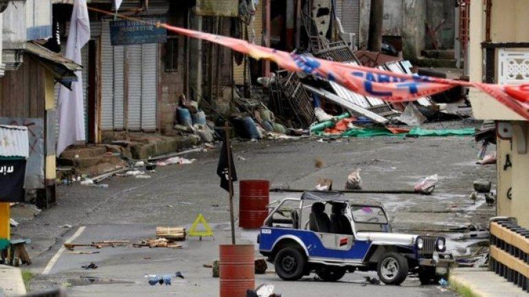 "Philippine army ""makes gains"" in Marawi Islamist battle"