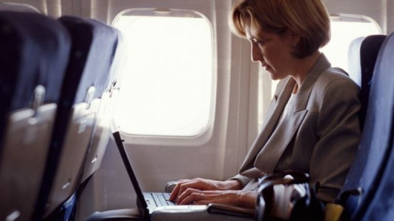 EU holds quick discussions with US over looming ban on laptops on planes