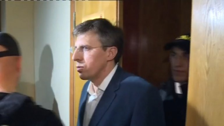 Chisinau mayor, detained for 72 hours amid slogans of supporters