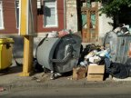 Fourth day in garbage. Waste overwhelms Moldova's capital