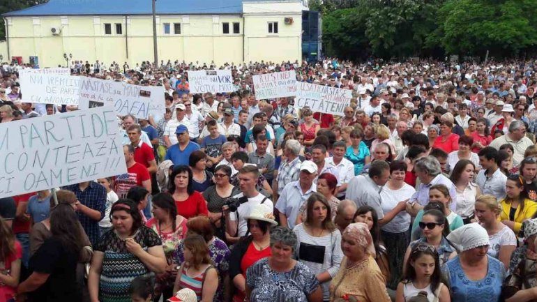 OVER 30 THOUSANDS protest for change of electoral system (PHOTO)