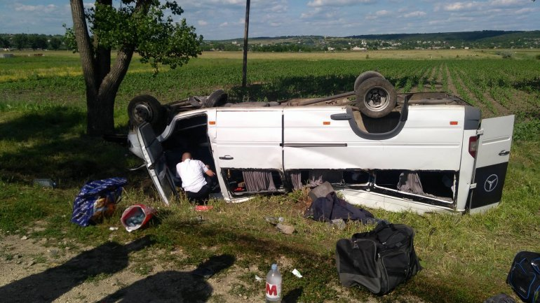 Two DEAD after HORRIFIC road crash near Gura Galbena village (PHOTO/VIDEO)