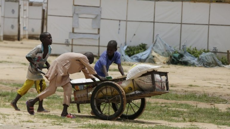 Nigeria probes new reports of food aid stolen from refugees