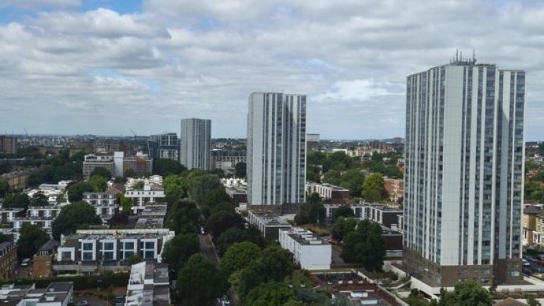 Camden flats: Fire cladding tests failed by 27 high-rise blocks