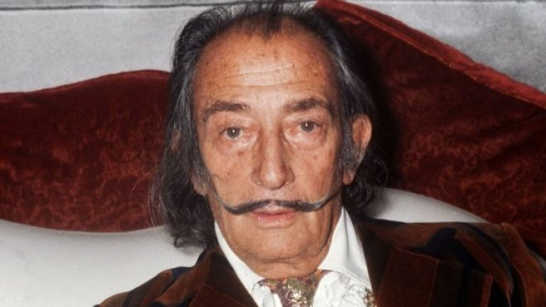 Painter Salvador Dali's body to be exhumed for paternity suit