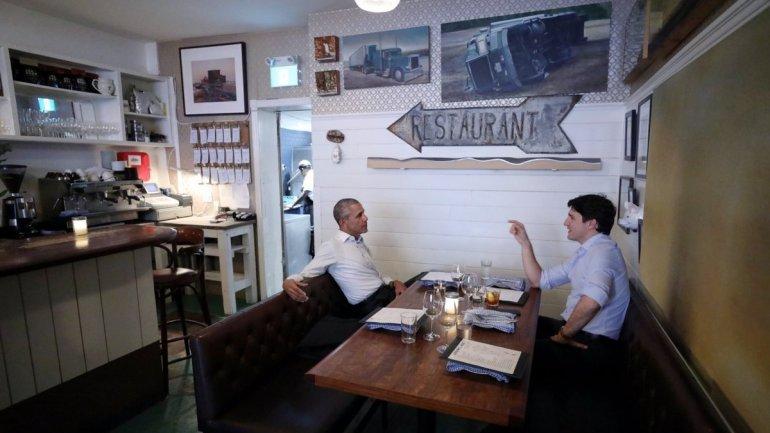 Barack Obama and Justin Trudeau discuss leadership over dinner