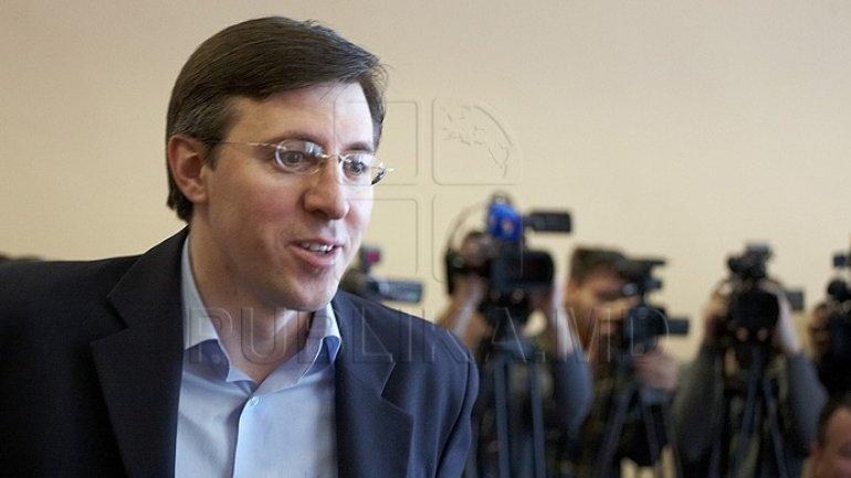 Chisinau mayor Dorin Chirtoaca convenes extraordinary meeting. City Hall to have new deputy mayors