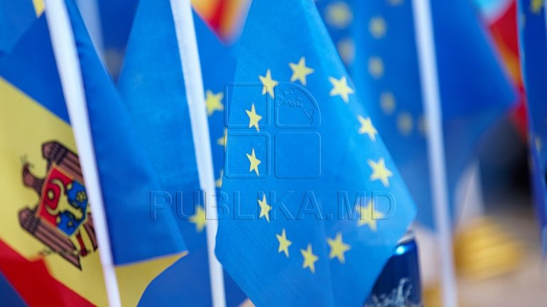 Fabrika show guests on EU financial assistance: It's not a political suggestion