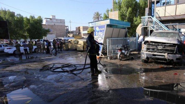 30 die as woman blasts explosive in Iraqi market