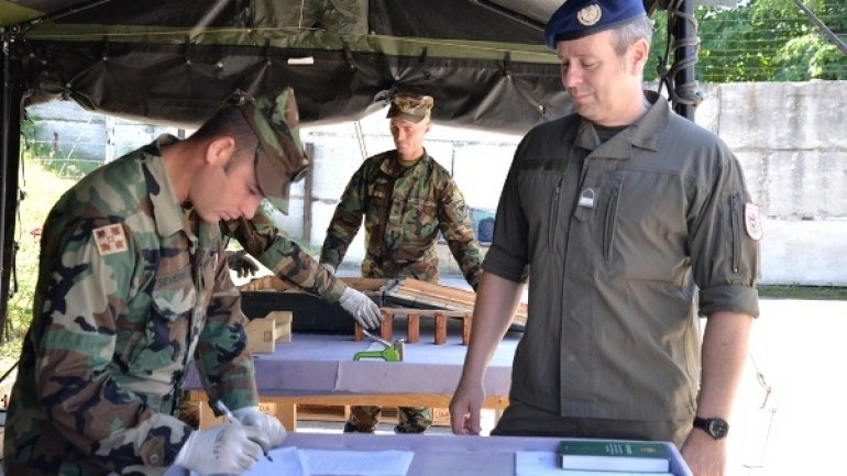 European trainers instruct Moldovan military to handle conventional ammunition